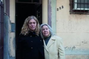 Suzana Lisbôa e a mãe, Milke Waldemar; Luiz desapareceu em 1972 durante o regime militar brasileiro e seus restos mortais foram encontrados em 1979. Crédito: Gustavo Germano