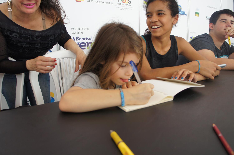 Boquinha lança livro e jogo na Feira do Livro de Porto Alegre
